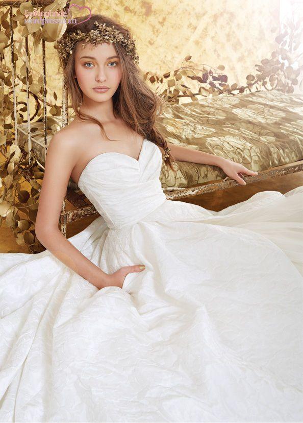 Image from https://fashionbride.files.wordpress.com/2014/07/blush-hayley-paige-bridal-23.jpg?w=594.