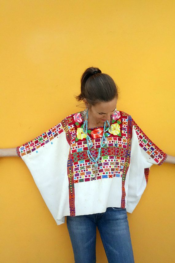 04f8b1acb Maya Women's Vintage Waterjug & Floral Ethnic Huipil Poncho from ...