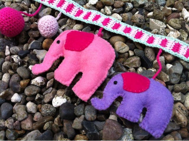 Barnevognskæde med elefanter - Design by Dalkær