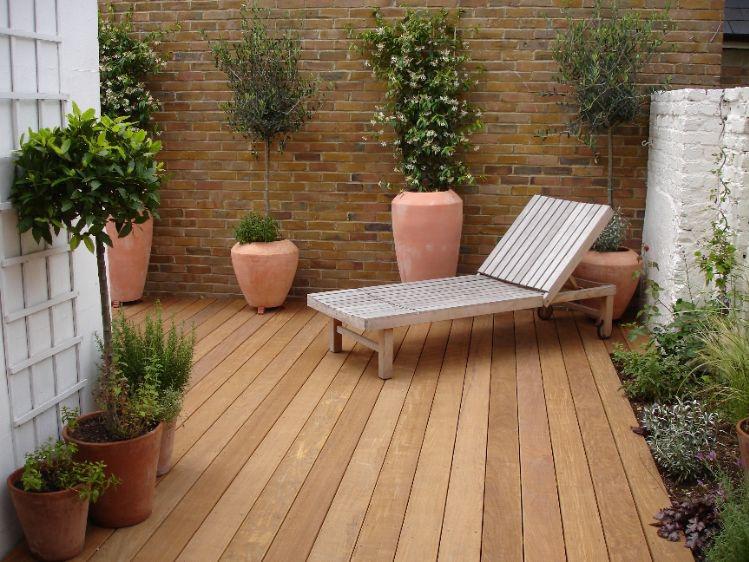 17 wonderful garden decking ideas with best decking for Garden decking varnish
