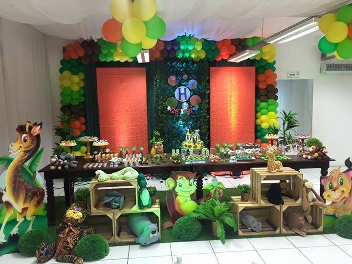 Festa infantil Tema Floresta Safari Jungle Animais Animals Zoo Muro Inglês Caixotes Mesa Rústica