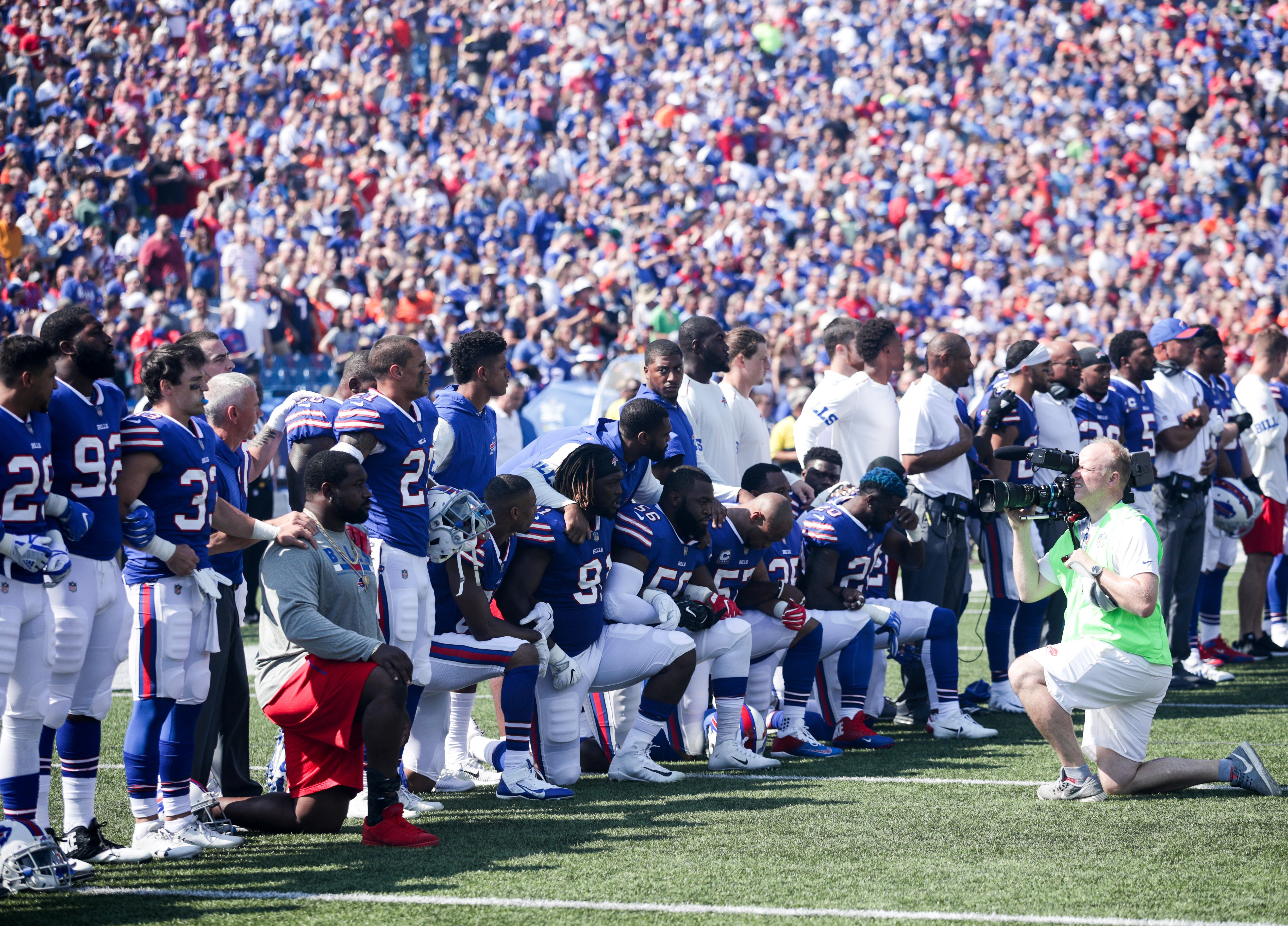 For Nfl Teams Unity Is The Message Anthem Protest Colin Kaepernick National Anthem Kaepernick