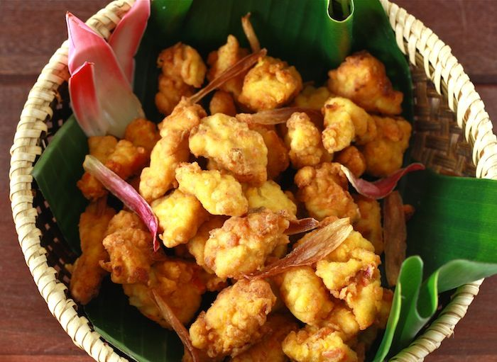 Fried Chicken Recipe With Bunga Kantan Torch Ginger Flower By Seasonwithspice Com Fried Chicken Cooking Bacon Crispy Fried Chicken