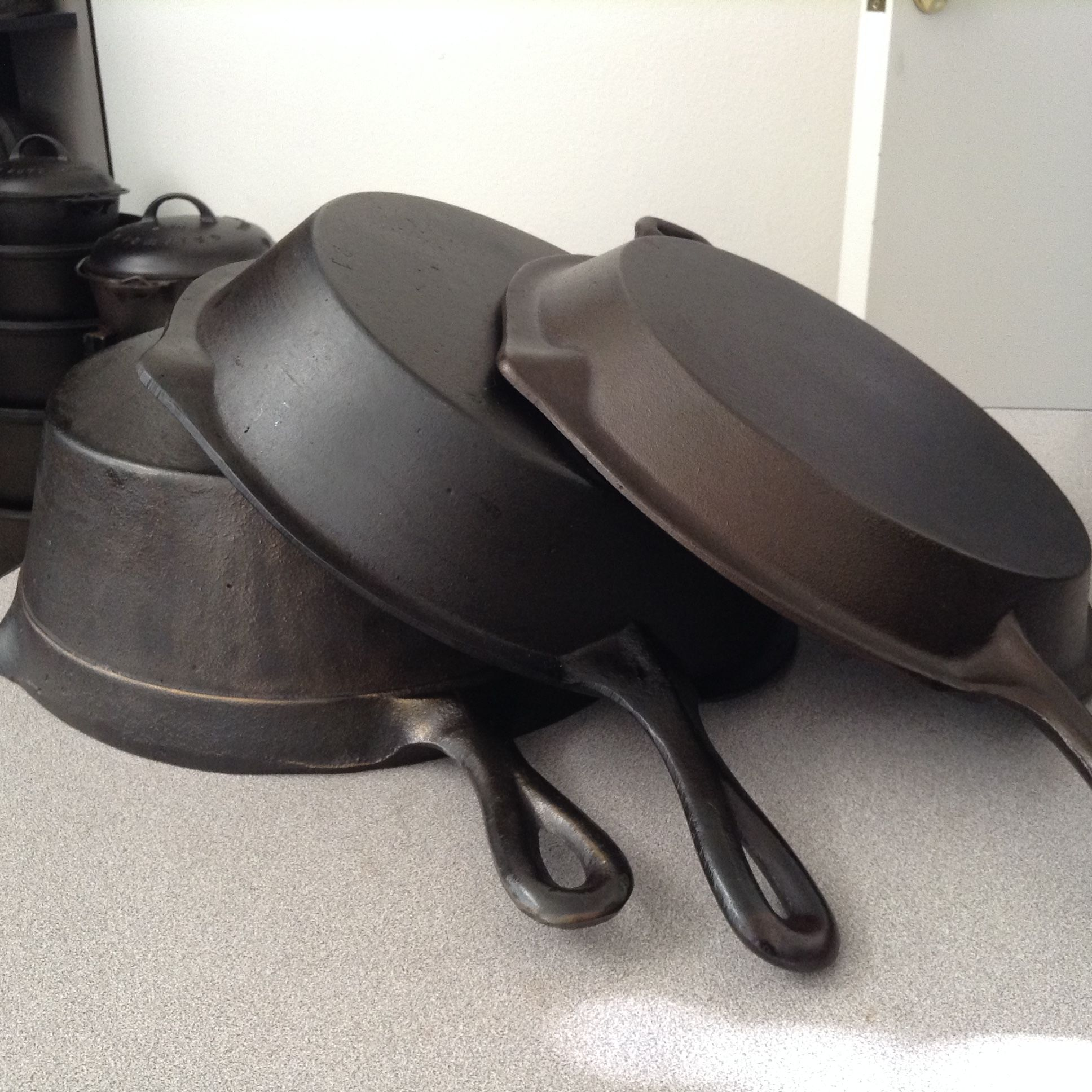 """What Size Cast Iron Skillet: """"Offset Tab Handle Set"""" Showing The Different Size"""