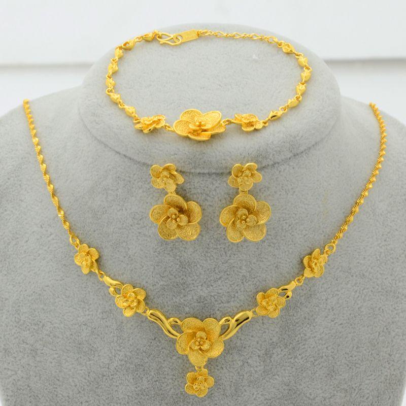 Trendy Gold Plated Jewelry Set Flower Pendant Necklace Earrings Bracelet For Women Luxury Bride Wedding Party Gifts