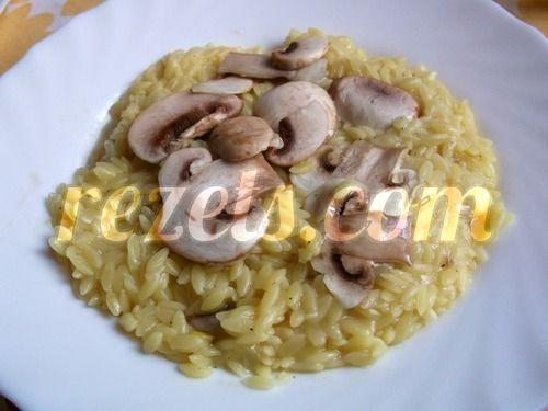 receta de risotto al azafrán con láminas de champiñon por arctarus
