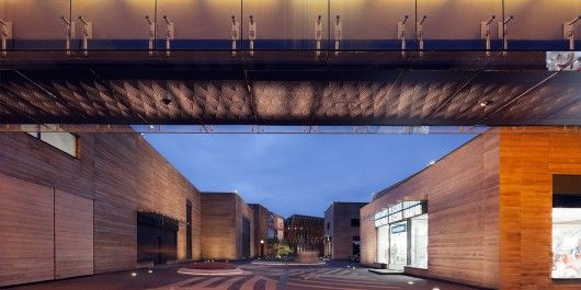 Luxury Village and Mercury Theatre / Project Meganom