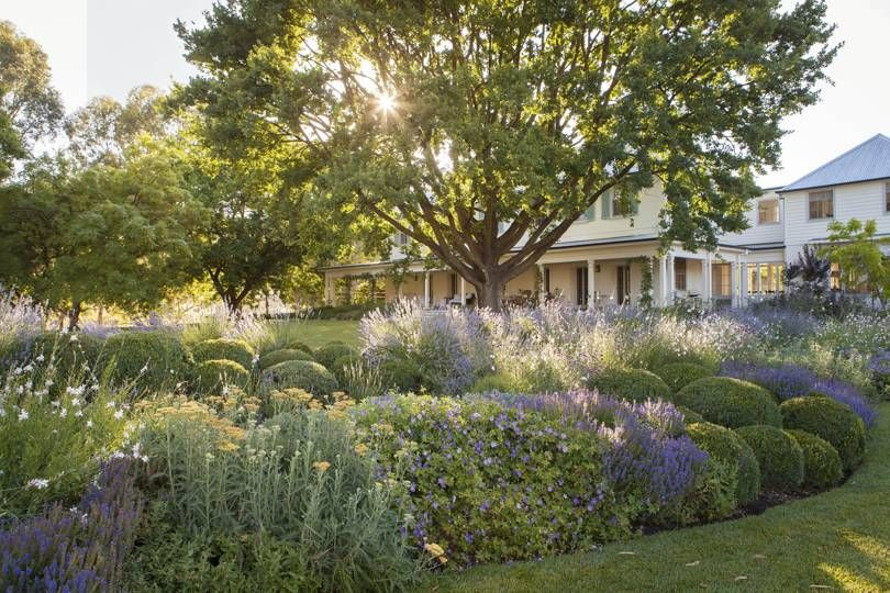 An Extravagantly Romantic Garden Set Against The Dramatic Landscape Of New South Wales In 2020 Landscape Design Country Gardening Garden Design