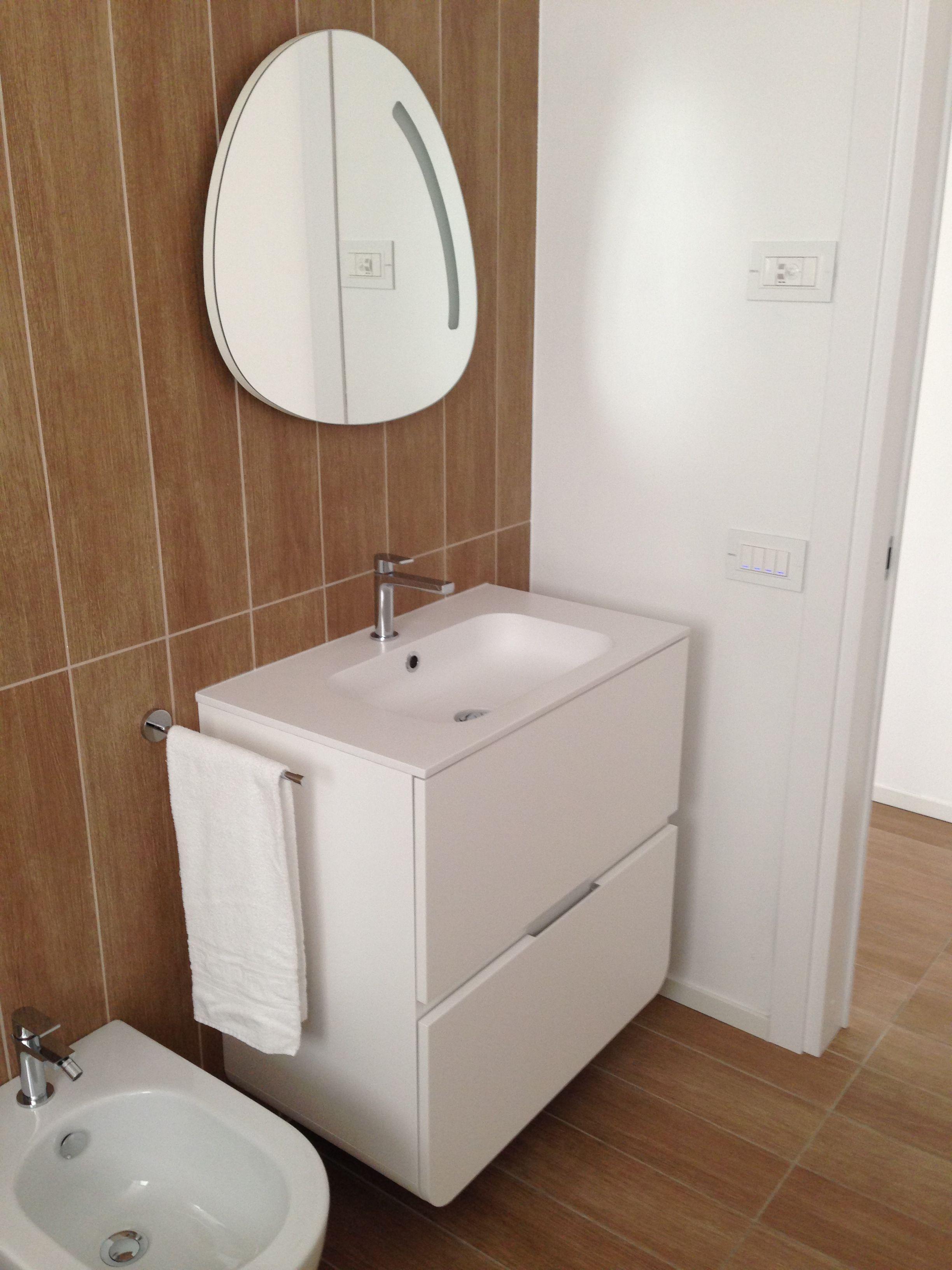 Toll Badezimmer Im Hotel Marina Verde In Caorle, Gessi Armaturen Mit Corian  Waschtischen