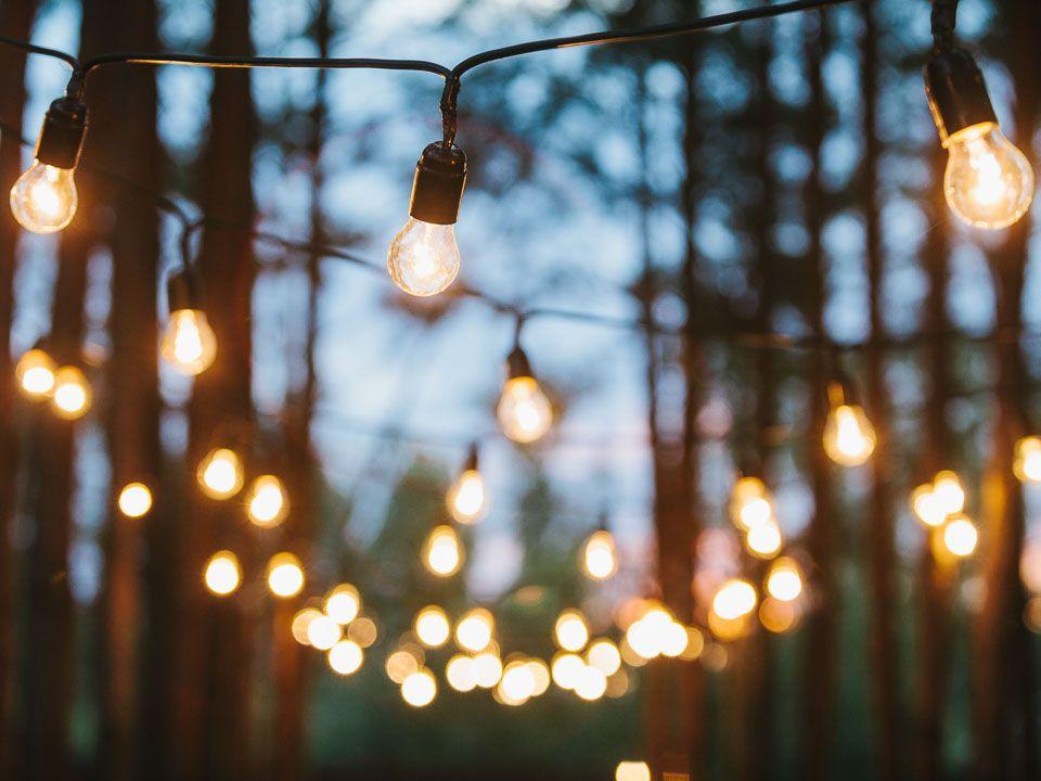 идет картинка с фонарем и лампочками что бывает, когда