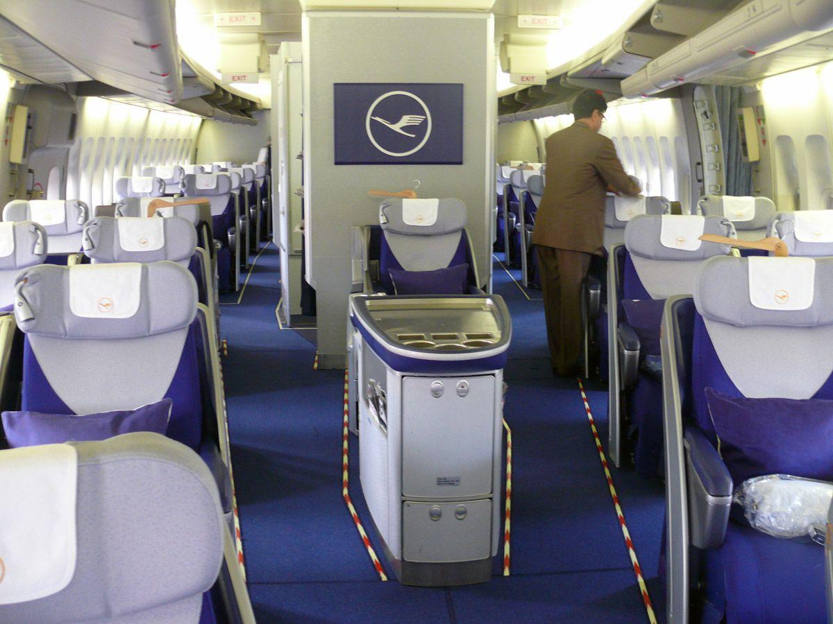 lufthansa 747-400 | Lufthansa Boeing 747-400 Business Class Cabin Catering - 2012