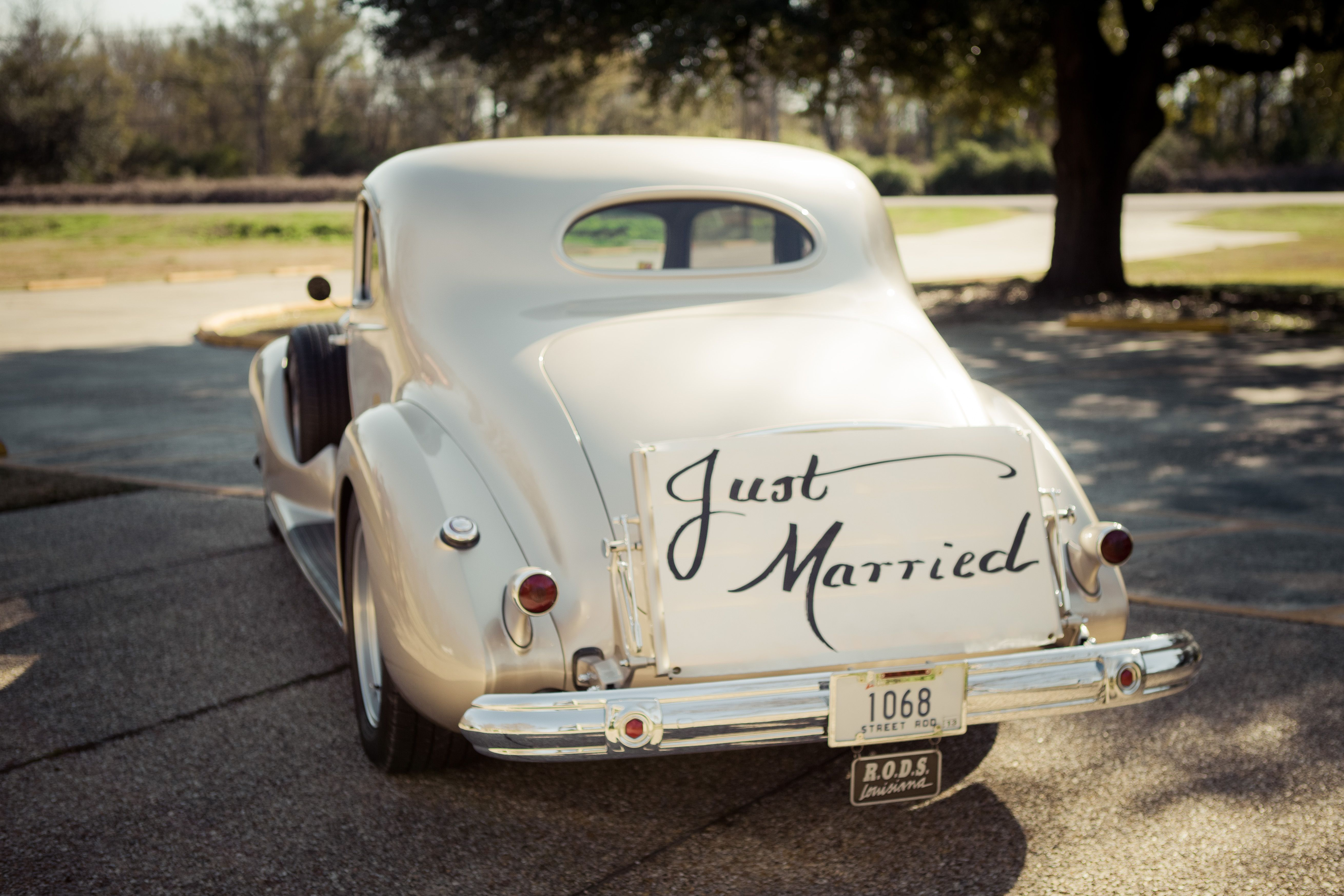 Just Married, Vintage Car