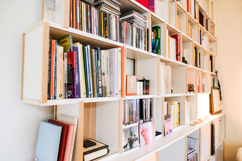 The Perfect Bookshelf La Bibliotheque Sur Mesure Fabriquee En Belgique Plus D Exemples Www Perfectbookshelf Eu Fr Design Bookcase Home Home Decor