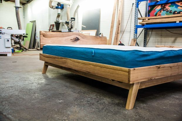 Queen Size Platform Bed | Queen size platform bed ...