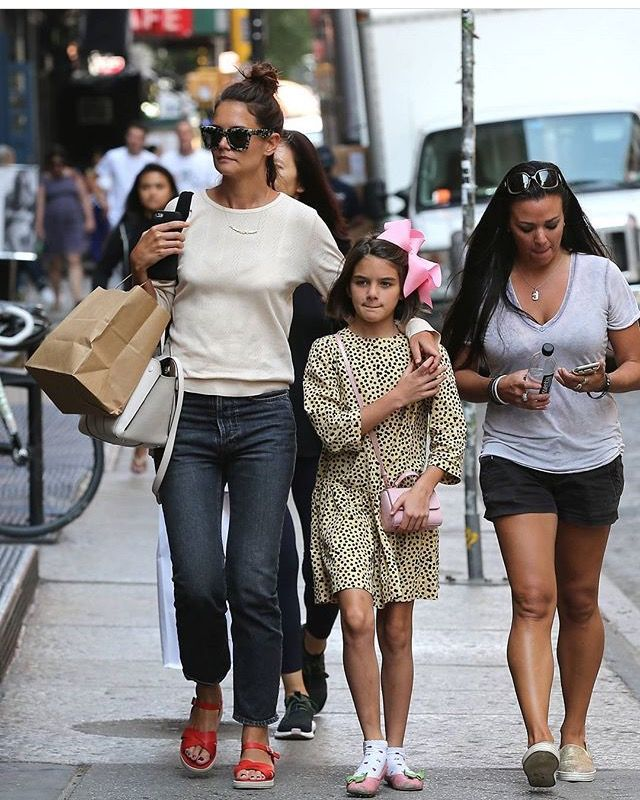 Suri and her beautiful mother Katie in New York City 17/8 ...
