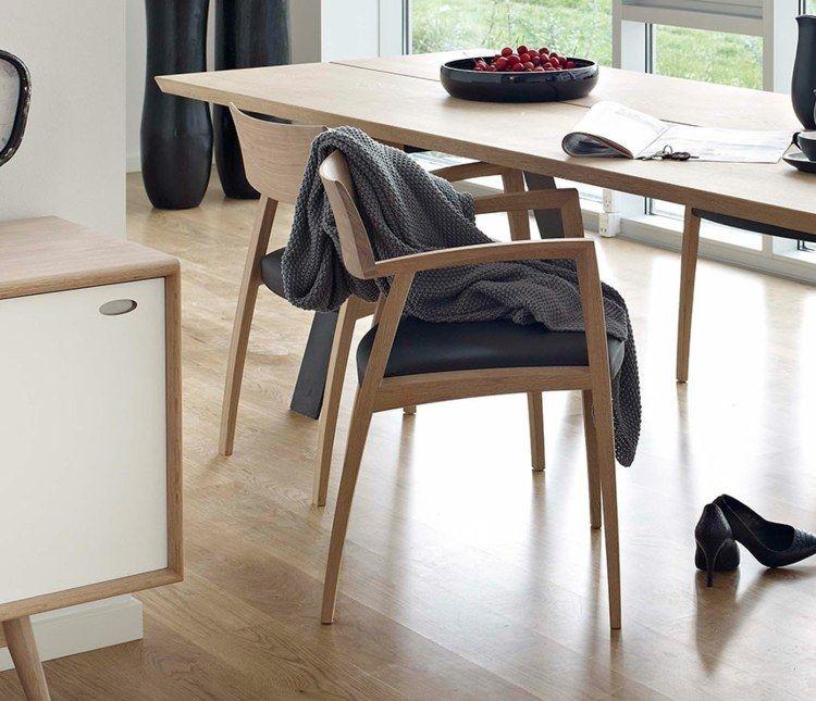 stuhle und esstisch aus eichenholz fur das puristische esszimmer