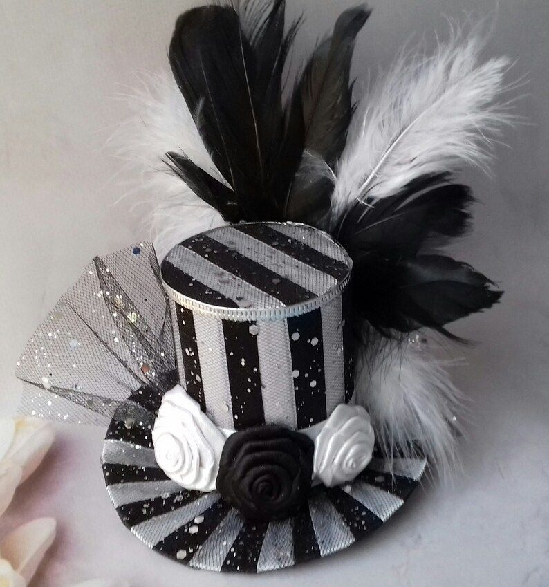 Headband Alice in Wonderland Mad hatter hat Woman mini top hat Tea party hat White Black mini top hat Mini top hat Centerpiece