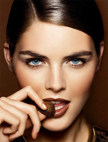 http://www.beautyme.com/cosmetics/2008/esteelauder7-2008.jpg
