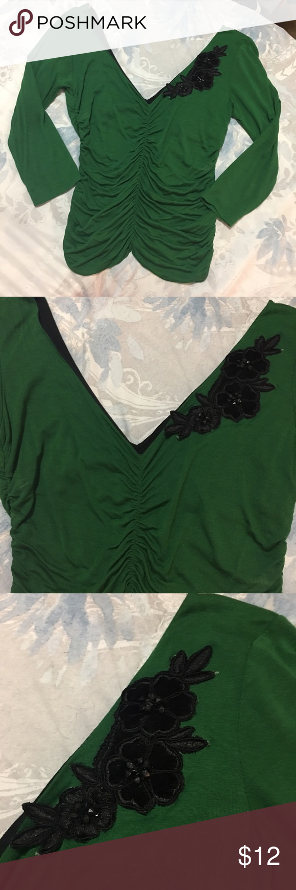 Beatiful top small Great condition with detail in the neck with 3/4 long sleeve Tops Tees - Long Sleeve
