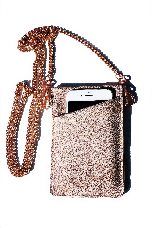 Crossbody Handyhulle Handyumhangetasche Brustbeutel Rosegold Kette Echt Leder Hulle Cross Body Bag Lede In 2020 Leather Crossbody Bag Leather Bag Leather