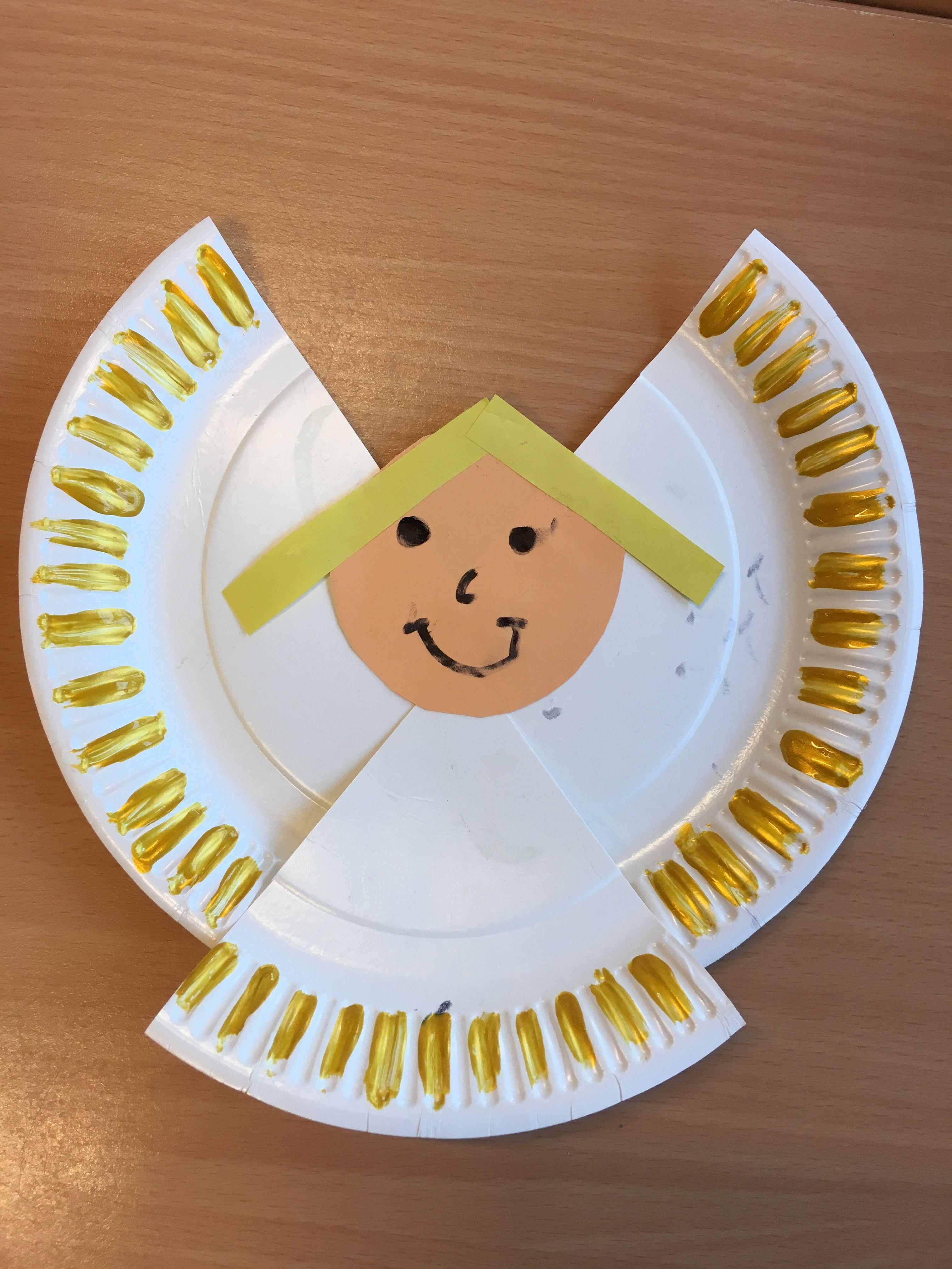Engel knutselen van papieren bordje thema kerst groep 1-2