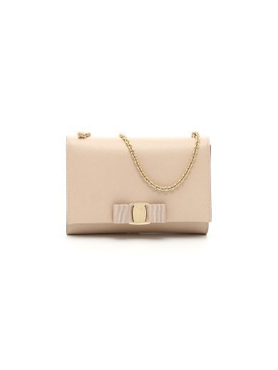 SALVATORE FERRAGAMO Vara Minibag. #salvatoreferragamo #bags #shoulder bags #lining #