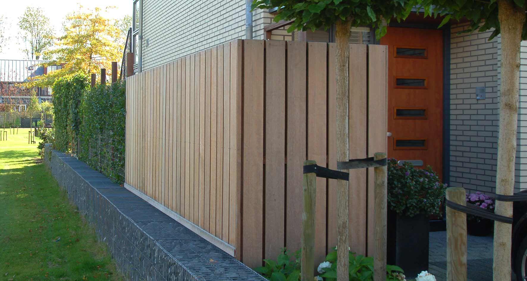 Hardhouten bankirai schutting van staande delen tuin pinterest garden landscape design - Planken modern design ...