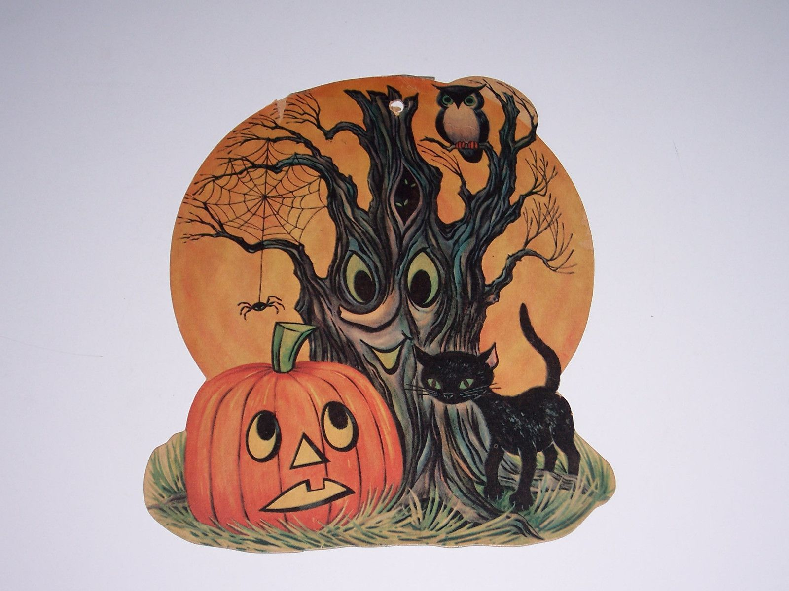 spooky tree scares jol as black cat owl and spider look on  [ 1600 x 1200 Pixel ]
