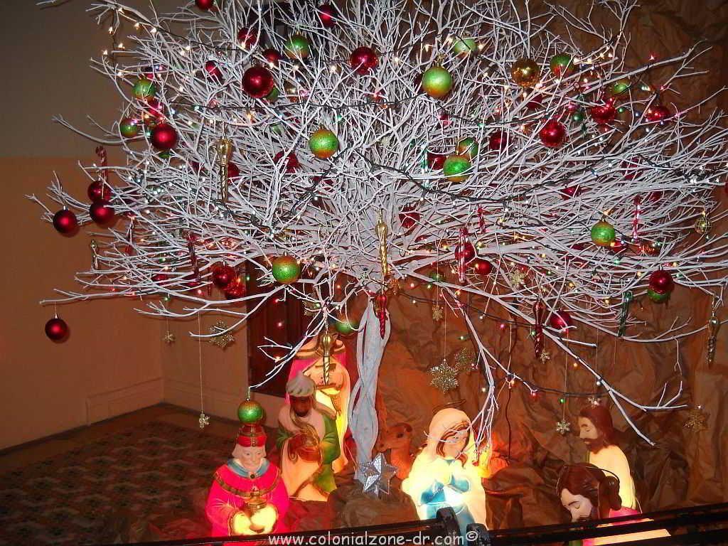 El rbol de navidad blanco es una costumbre en santa clara - Arbol de navidad en blanco ...
