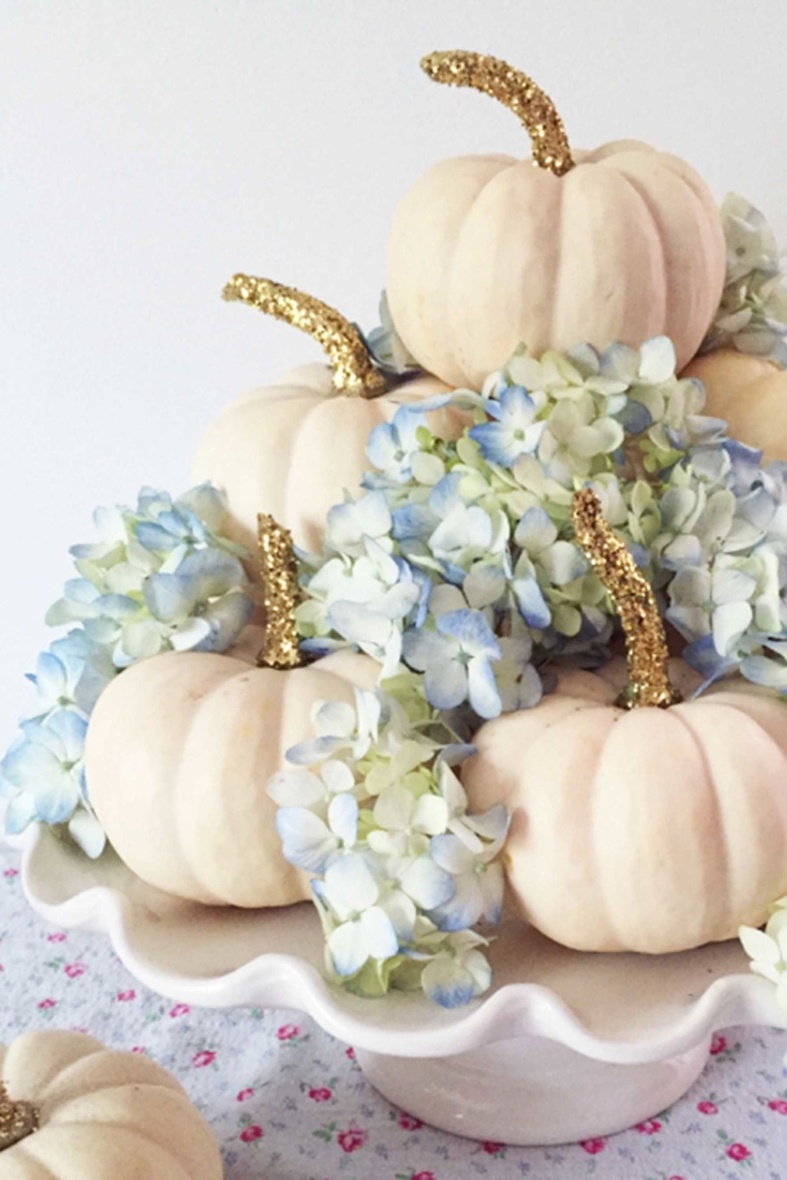 46 Easy Fall Centerpieces That\'ll Make Your Table Memorable ...
