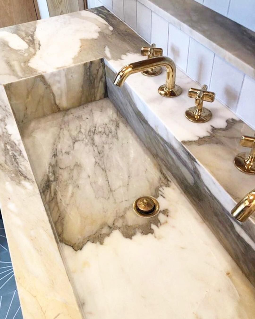 Waterworks On Instagram Simply Stunning Our 25 Faucet In A Westchester Renovation By Andrewfranzarchitect Spa Like Bathroom Beautiful Bathrooms Marble Tub