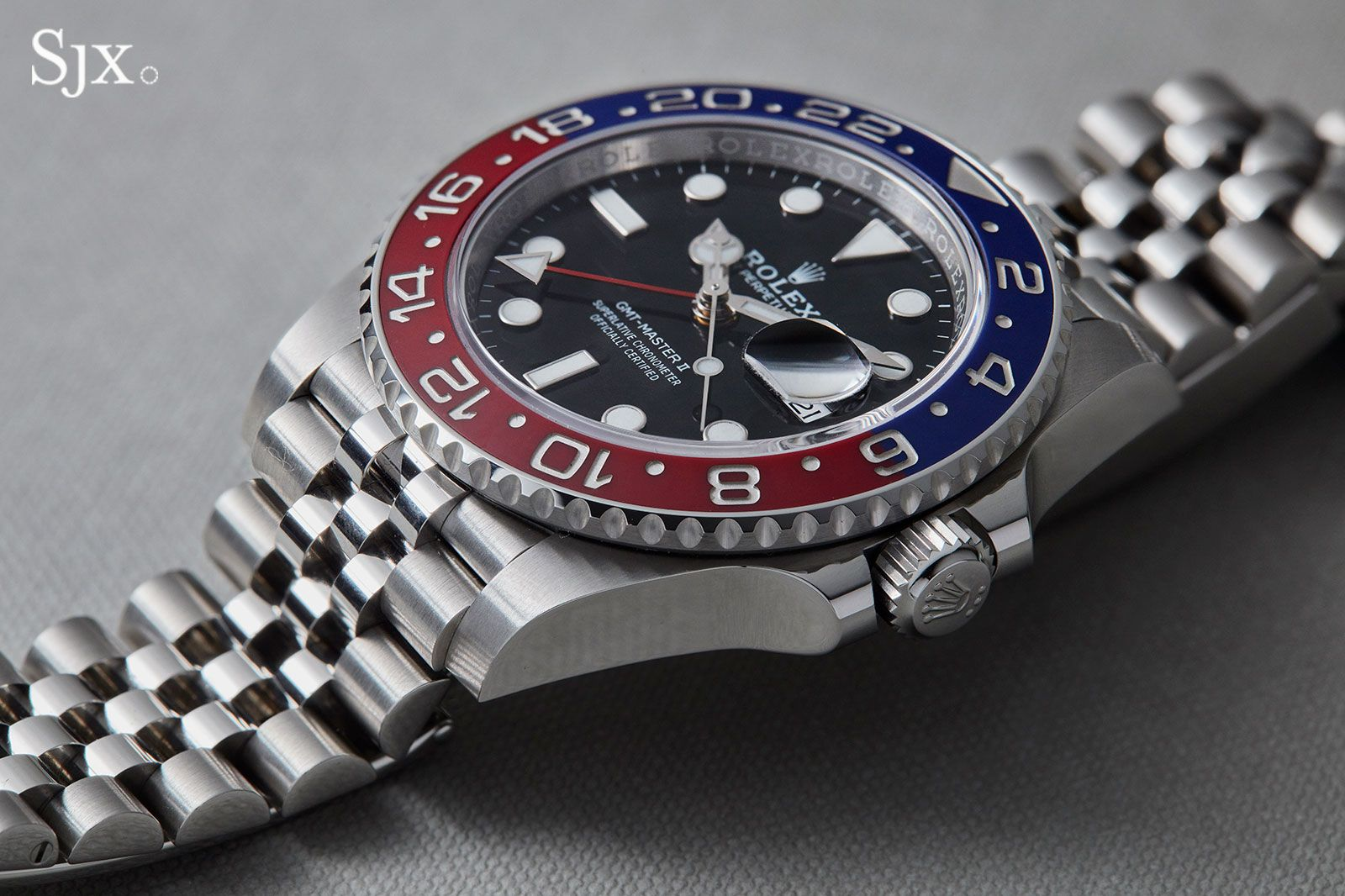 Up Close With The Rolex Gmtmaster Ii U201cpepsi U201d On Jubilee Bracelet Sjx Watches Rolex Gmt Rolex Gmt Master Luxury Watches For Men