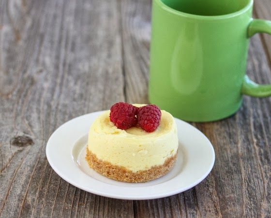 10 Minute Microwave Cheesecake Mug Cake Make It South Beach Friendly By Eliminating Graham Er Crumb Crust Subsuting Ricotta Or Low Fat Cream