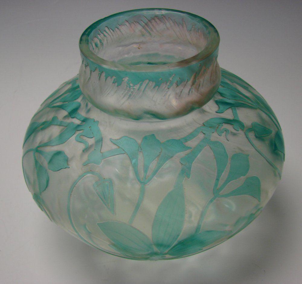 art nouveau cristallerie de pantin french cameo glass vase glass art after my heart art. Black Bedroom Furniture Sets. Home Design Ideas