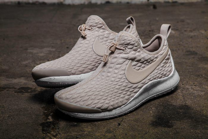 Image result for nike APTARE