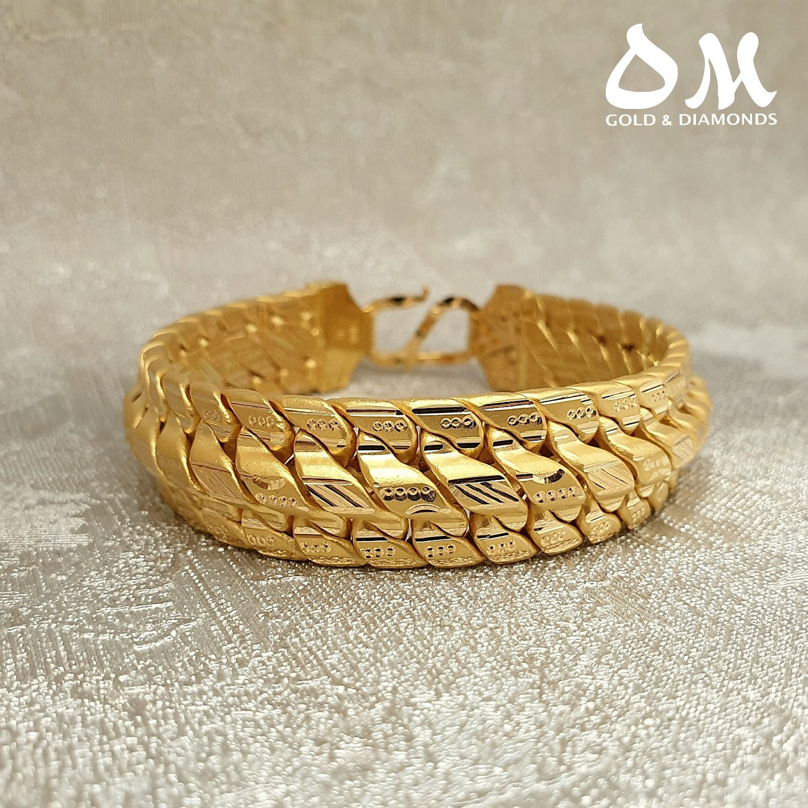 You Can Never Go Wrong With Surprising Him With A Solid 22 Karat Bracelet Absolute Value For Money 65 Grams For This Mast Rings For Men Jewelry Gold Jewelry