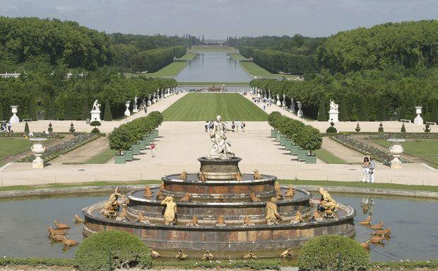 o Rei Luís XIV contratou o paisagista André Lê Nôtre para criar os imbatíveis jardins do Palácio de Versalhes.