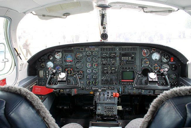Cessna 406 Diagram Molex To Sata Wiring Cockpit Of No Wonder Brian Hesitated Take Over The Plane