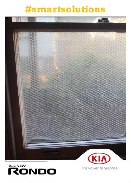 Stick bubble wrap onto windows for insulation and privacy. Keeps your house cool/warm whilst still letting light in. #smartsolutions #window