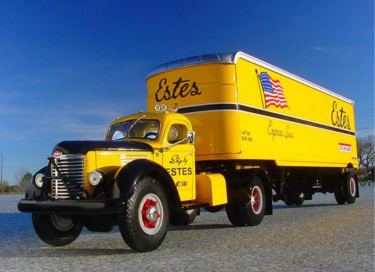 Antique International Harvester Semi Tractor : Vintage estes express international harvester kb