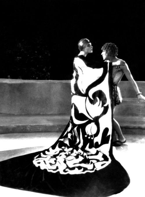 Alla nazimova arthur jasmine in salome 1923 dir for Art and decoration oscar wilde