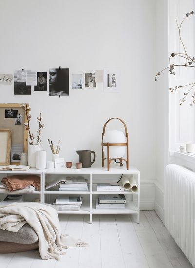 Beautifully styled shelves and a great way of adding some inspiration to the living room.