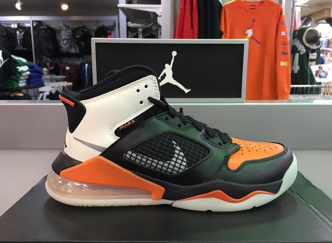 Pin Di Fresh Sneakers
