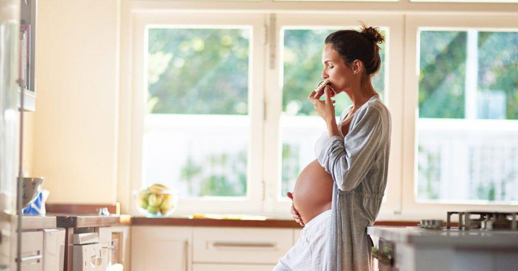10 Lebensmittel für eine ausgewogene Ernährung einer schwangeren Frau und Lebensmittel, die während …   – Balanced Diet of a Pregnant Woman