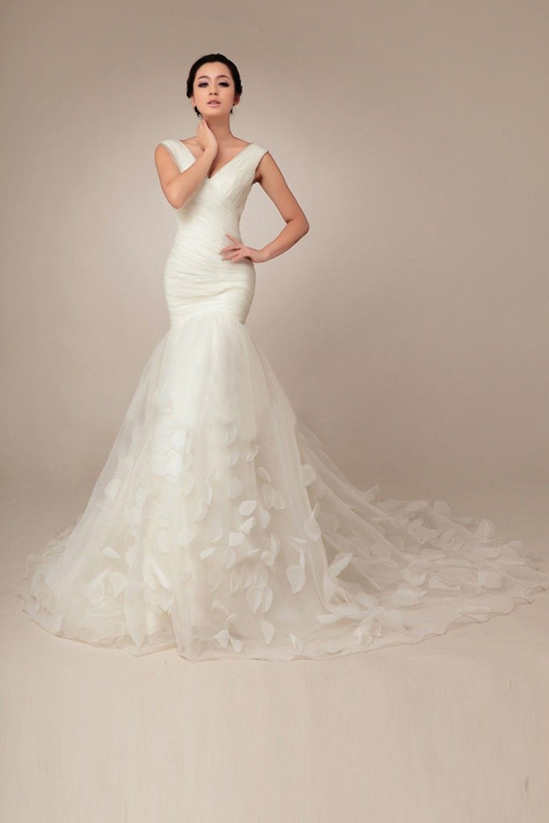 Mermaid vneck sleeveless flowers chapel train wedding dress
