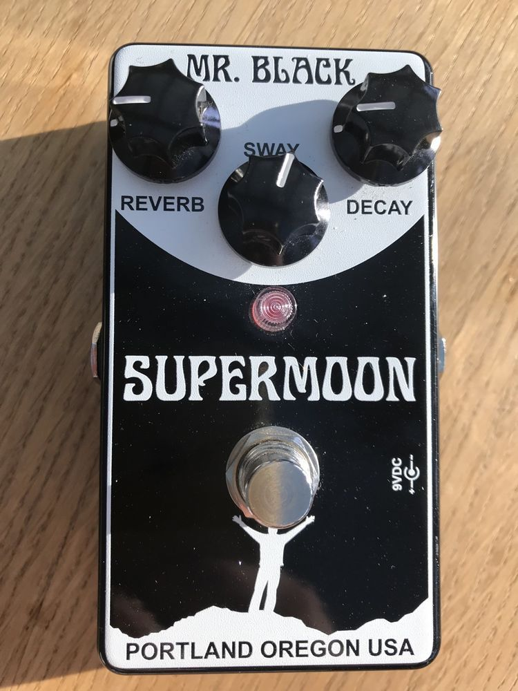 Mr Black Supermoon Modulated Reverb Guitar Effects Pedal Mrblack