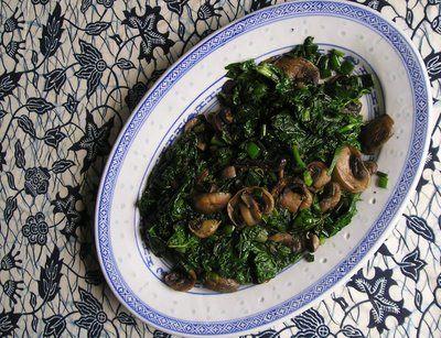 Seasonal Ontario Food: Spinach Sautéed with Mushrooms & Green Onions