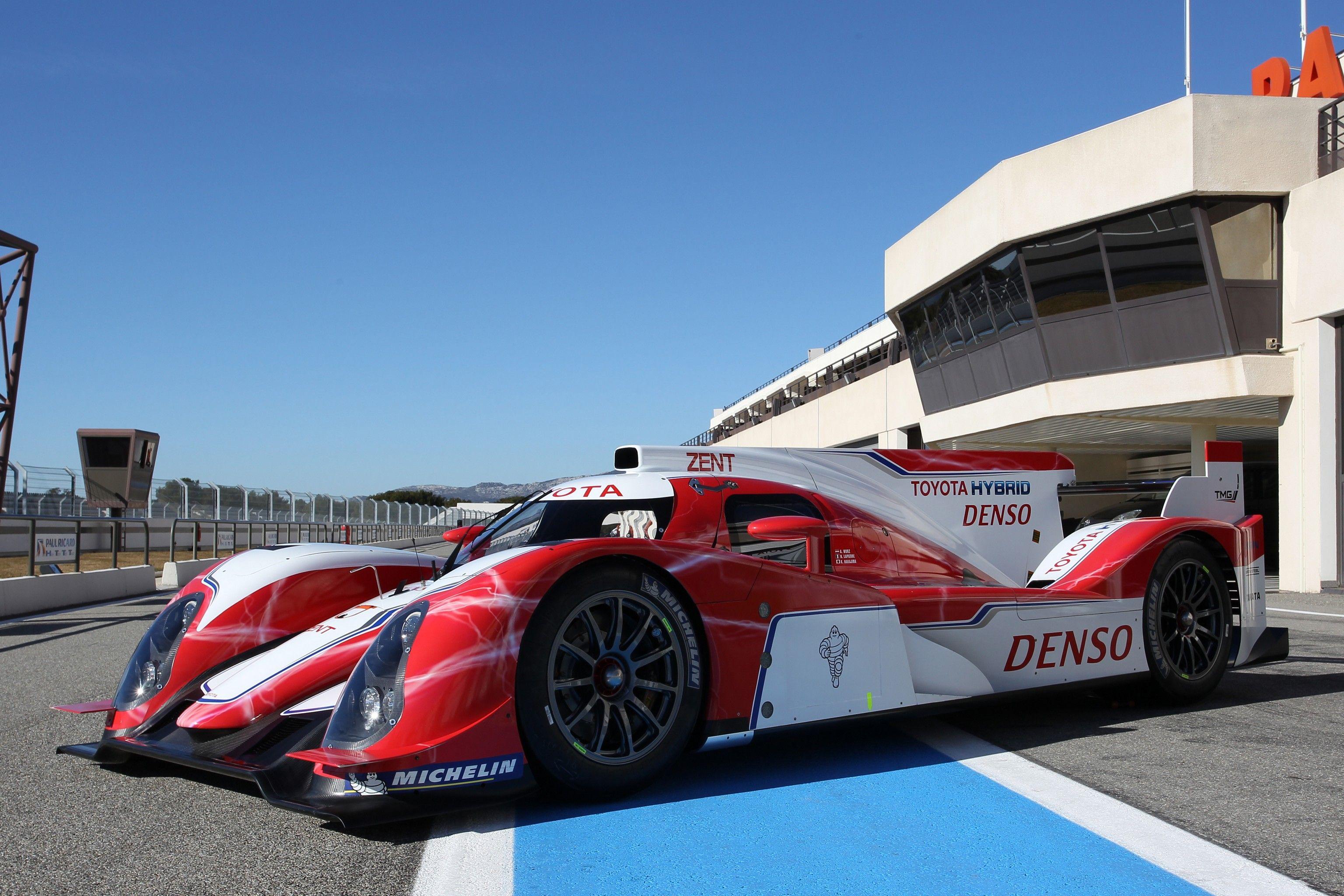 Denso Sponsors Toyota Hybrid Racing
