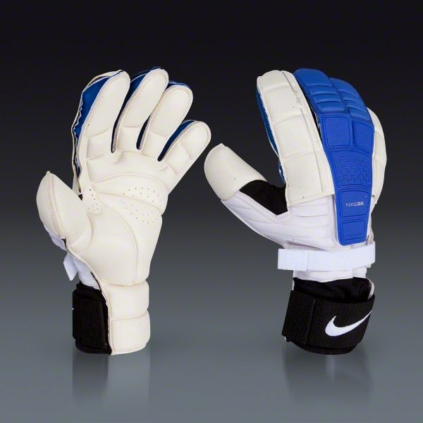 nike gloves the new soccer shoes