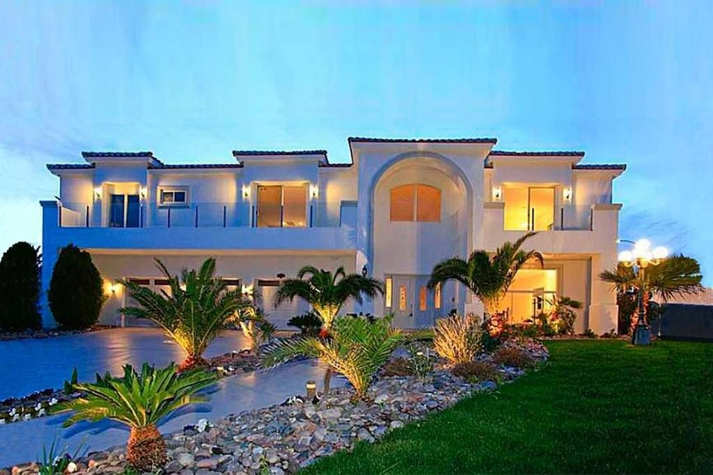 6 Bedrooms Sleeps 20 58 Person Night Vacation Home Mansions Pardee Homes